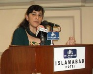 Nafisa Hoodbhoy addresses Islamabad audience (Credit: SPO Pakistan)