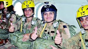 First women paratroopers (Credit:thenewnational.com)