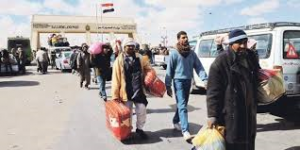Expats leave Libya (Credit: todayzaman.com)