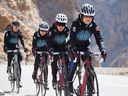 Afghan women cyclists (Credit: mountain2mountainwordpress.com)