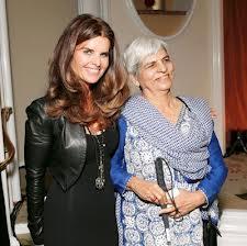 Zubeida Mustafa with Maria Shriver (Credit: Photogallery.indiatimes.com)